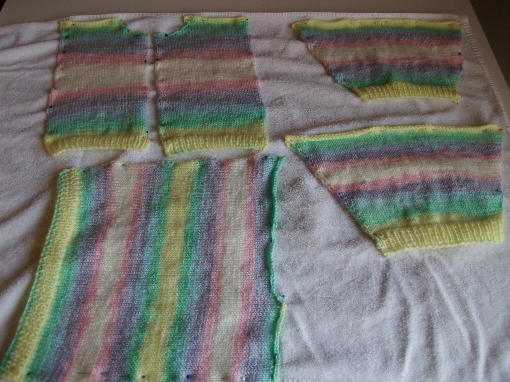 Babyjacke stricken - Fertigstellung